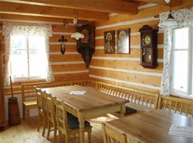 Dubové stoly, posezení pro 16 osob