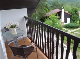 Posezení na balkoně