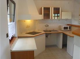 Mezonetový apartmán - plně vybavená obytná kuchyň