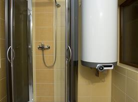 Koupelna + WC - v podkroví