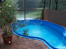 Krytý bazén za chalupou