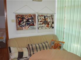 Obývací pokoj s posezením