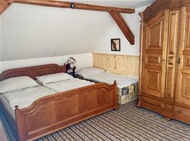 čtyřlůžková ložnice v 15ti lůžkovém apartmánu v 1.patře