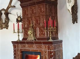 Kachlová renesanční kamna