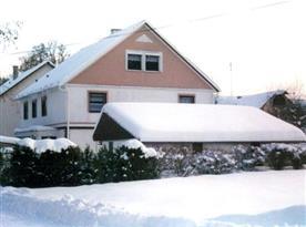 Zimní pohled na objekt s apartmány