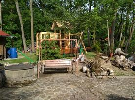 Houpačka + dětské hřiště