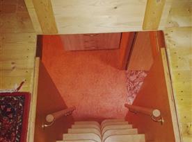 Schodiště do 2. podkroví