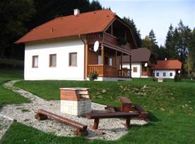 Osmilůžková chata - celkový pohled