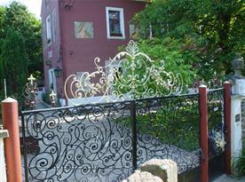 Rekreační dům Lovecký zámeček v obci Halouny