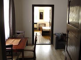 Chalupa 2-vstup do ložnice přes obytnou kuchyni