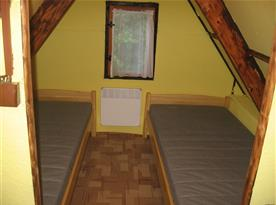 Ložnice v podkroví - levá strana