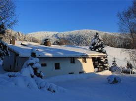 Chalupa V Tajchách v zimě