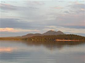 Máchovo jezero s Bezdězem