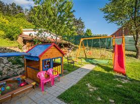 Dětské hřiště na zahradě