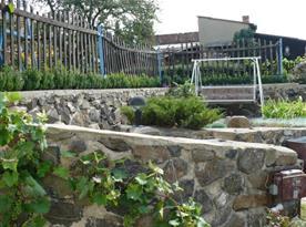 Společná zahrada s houpačkou