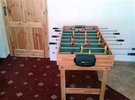 Stolní fotbal ve společenské místnosti