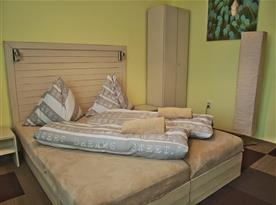 Pokoj č. 2 - manželská postel.