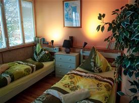 Apartmán č. 5 - dvě jednolůžkové postele.