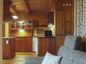 Kuchyň z obývacího pokoje