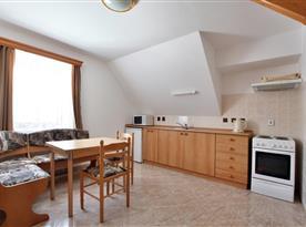 Apartmán č. 3 - kuchyňský kout s jídelnou