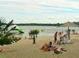 Pláž Máchova jezera
