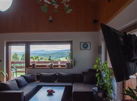 Posezení v obývacím pokiji
