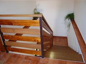 Přístupové schodiště k apartmánům