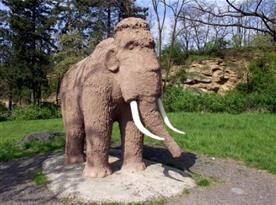 Památník lovců mamutů, Předmostí u Přerova, u motokrossové rokle