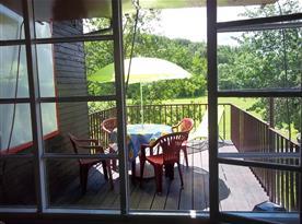 Prostorná a slunná odpočinková terasa, foto 3, krásné posezení