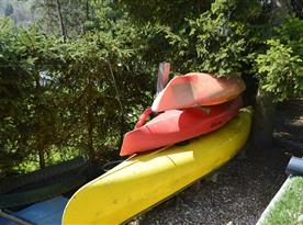 Laminátové čluny ( vybavení chaty)