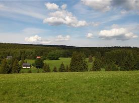 Výhled z protějšího kopce