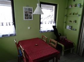 Jídelní kout + paní domácí Zuzanka