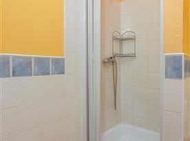 Léto podkroví - sprcha