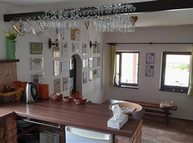 Pohled z kuchyňského prostoru