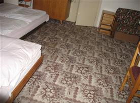 4 l pokoj s manž. lůžky