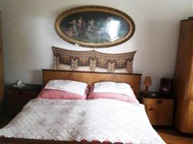 Stylová původní ložnice - postele elektricky vyhřívány