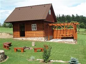 Kolárna, lyžárna, sklad dřeva, posezení u ohniště