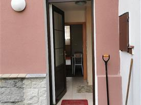 Apartmán v přízemí - vstup