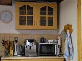 Kuchyně + jídelna