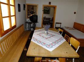 Posezení v obývacím pokoji