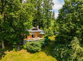 Chata Na samotě u lesa a řeky - ubytování  Tasov