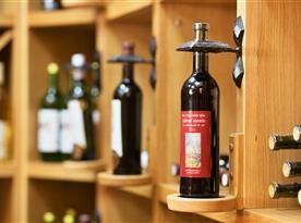 Vinotéka s bohatou nabídkou vín od regionálních vinařů