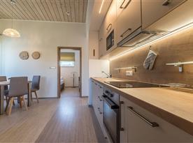 Zahradní bungalov-plně vybavený kuchyňský kout v rámci obývacího pokoje