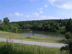 Pohled na rybník u chaty