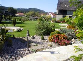 Apartmánový dům s krásnou velkou zahradou