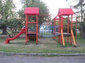 Dětské hřiště 200 m od apartmánu