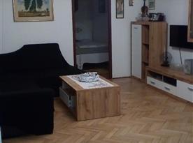 Apartmán pro 8 osob-Obývací pokoj s jídelnou