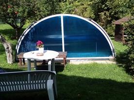 Venkovní zastřešený bazén