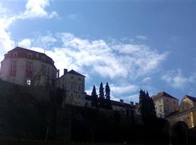 Zámek z náměstí