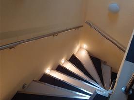 schodiště do 1. patra